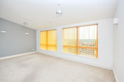 Sherman Road, Bromley, BR1. 2 bedroom flat
