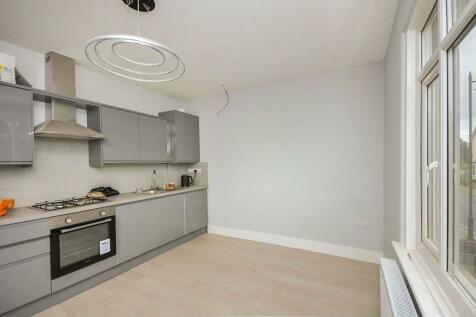 West Street, Bromley, BR1. 2 bedroom flat
