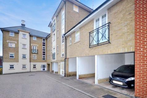 Chelwater, Chelmsford, Great Baddow, CM2. 2 bedroom flat