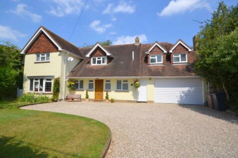 Woodhill Road, Sandon. 5 bedroom detached house