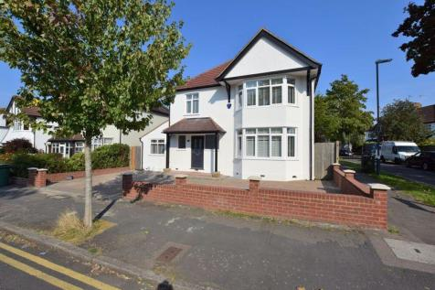 Pinner View, North Harrow. 5 bedroom detached house