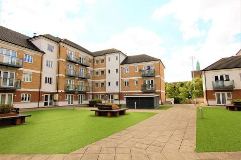 Hales Court, Ley Farm Close, Central Wat, Watford, WD25. 2 bedroom flat