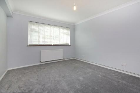 Grove Lane, Denmark Hill, SE5. 2 bedroom flat