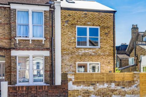 Whateley Road, Dulwich, SE22. 2 bedroom cottage