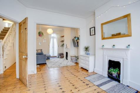 Humbolt Road, Fulham, W6. 3 bedroom terraced house