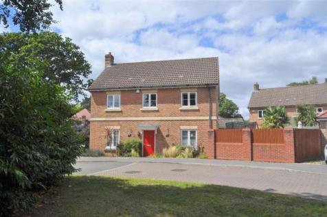 Admirals Wood. 4 bedroom detached house