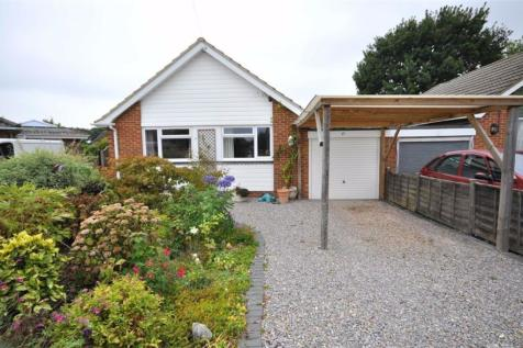 Vine Close, Sarisbury Green. 3 bedroom detached bungalow