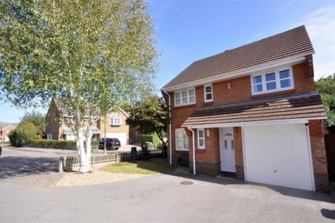 Battle Close Sarisbury Green. 5 bedroom detached house