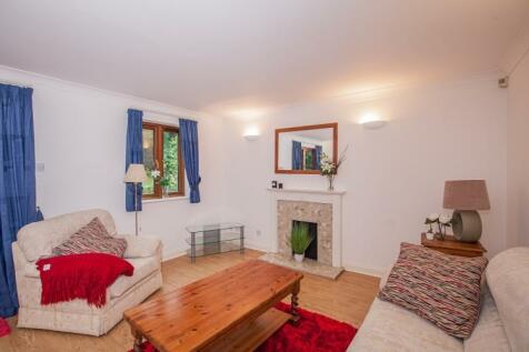 Dorchester Close Headington OX3. 2 bedroom apartment