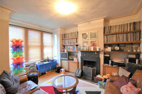 Lebanon Road, Croydon, CR0. 4 bedroom terraced house
