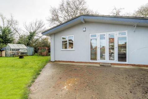 Dargate Road, Yorkletts, Whitstable. 3 bedroom detached bungalow for sale