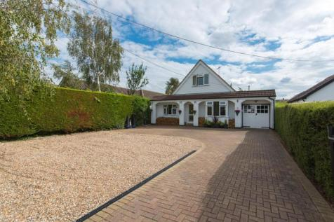 Maydowns Road, Chestfield, Whitstable. 3 bedroom detached bungalow for sale