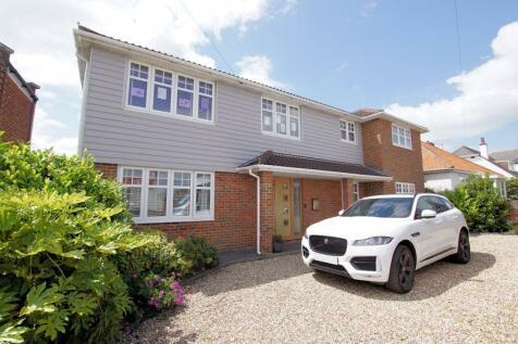 Portsmouth Road, Lee-On-The-Solent. 5 bedroom detached house