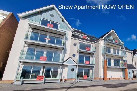 Admirals Court, Marine Parade East, Lee on the Solent, PO13. 2 bedroom apartment