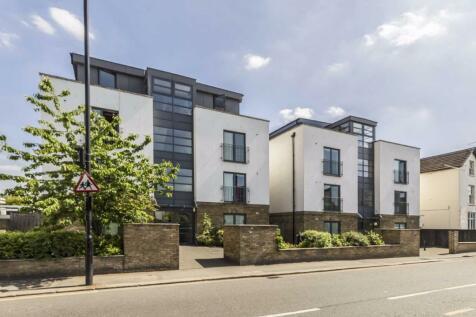 Gunnersbury Lane, Acton. 2 bedroom flat