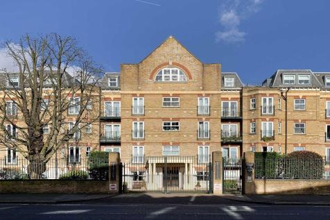 The Vale, Acton. 2 bedroom flat
