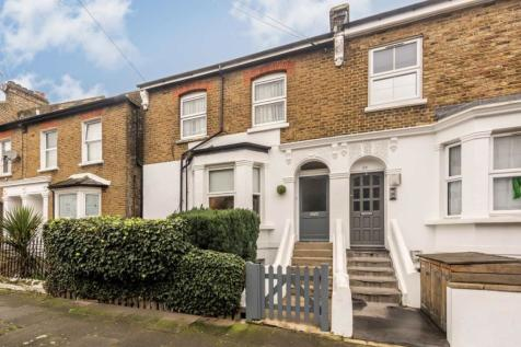 Chaucer Road, Acton. 3 bedroom flat