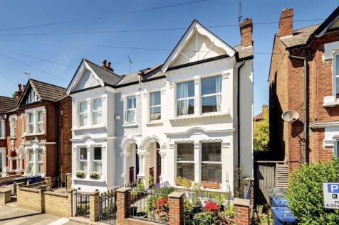 Stuart Road, Acton. 4 bedroom house