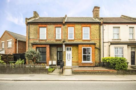 Gunnersbury Lane, Acton. 3 bedroom terraced house