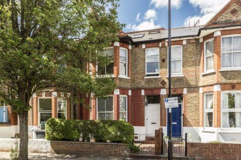 Newton Avenue, Acton. 2 bedroom flat