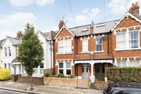 Dunraven Road, Shepherds Bush. 2 bedroom flat