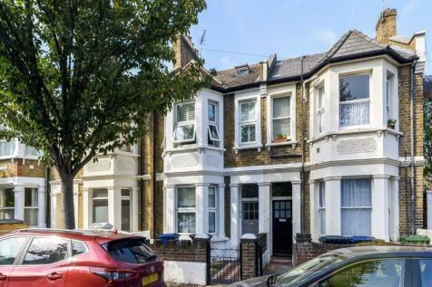 Meon Road, Acton. 2 bedroom flat