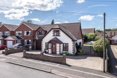 Hempstead Road, Hempstead, Gillingham, Kent, ME7. 4 bedroom bungalow
