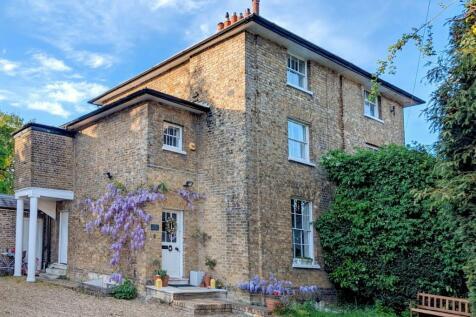 Churchfield Path, Cheshunt, EN8. 4 bedroom semi-detached house for sale