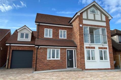 Dunton Road, Steeple View, Laindon, Essex, SS15. 5 bedroom detached house for sale