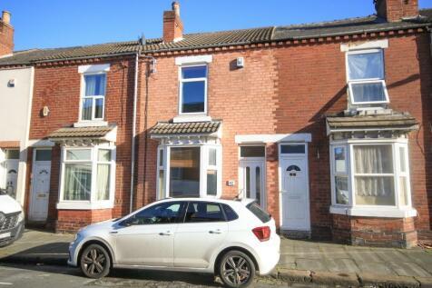 Somerset Road, Hyde Park, DONCASTER DN1. 2 bedroom terraced house