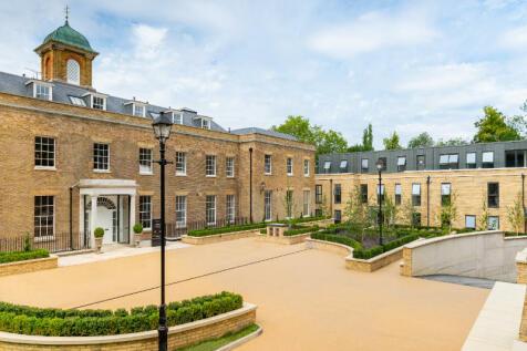 The Drive, Ickenham, Uxbridge, UB10. 2 bedroom apartment