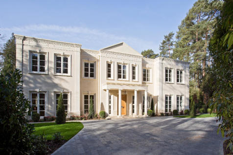 Wellington Avenue, Virginia Water, GU25. 6 bedroom house