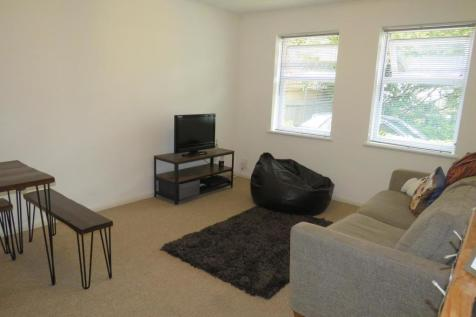 Lime Tree Place, ST. ALBANS. 2 bedroom apartment