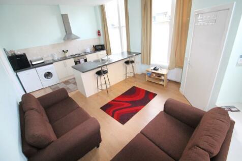 170 King Street, Aberdeen, Aberdeenshire, AB24. 2 bedroom ground floor flat