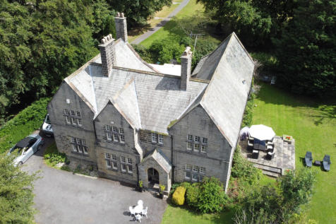 37 Otley Road,Killinghall,Harrogate,North Yorkshire,HG3 2DN. 5 bedroom detached house for sale