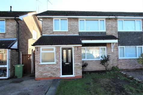 John Till Close, Rugeley. 3 bedroom semi-detached house