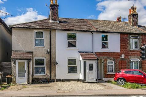 Godstone Road, Whyteleafe, Surrey, CR3 0ED. 3 bedroom terraced house