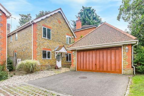 Broadeaves Close, South Croydon, Surrey, CR2 7YP. 4 bedroom detached house