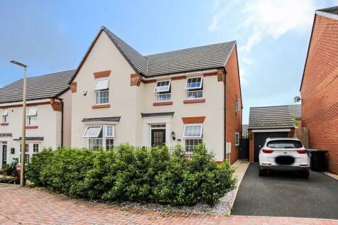 29 Thorneycroft Way, Crewe, CW1 4FZ. 4 bedroom detached house