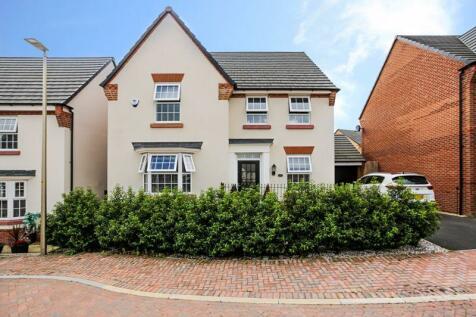 29 Thorneycroft Way, Crewe, CW1 4FZ. 4 bedroom detached house for sale