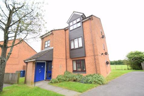 Billings Close, Stokenchurch, HP14 3SE. 2 bedroom flat