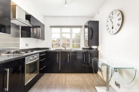Ossulton Way, London N2. 2 bedroom apartment