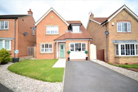 Aldeburgh Way, East Shore Village, Seaham, County Durham, SR7. 3 bedroom detached house