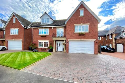 Boulmer Lea, East Shore Village, Seaham, County Durham, SR7. 6 bedroom detached house