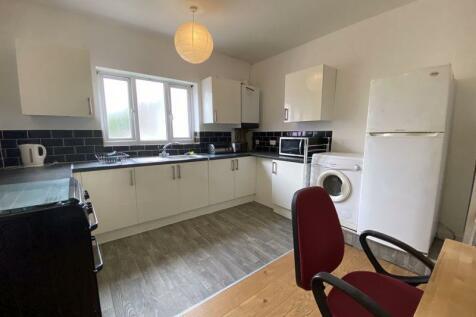 Sandbed Road, St Werburghs, BS2. 3 bedroom apartment