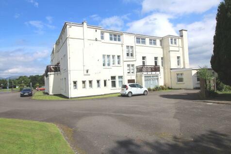 12 Laudervale Gardens, Balloch, G83 8LL. 3 bedroom flat