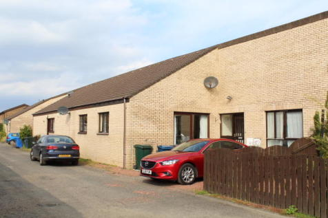62 Coulport Place, Helensburgh, G84 8TL. 2 bedroom terraced bungalow