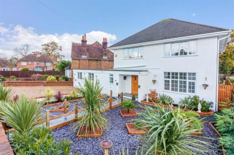 Offington Drive, Offington, Worthing. 5 bedroom detached house