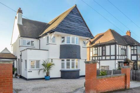Kings Road, Westcliff-on-sea, Essex. 5 bedroom detached house