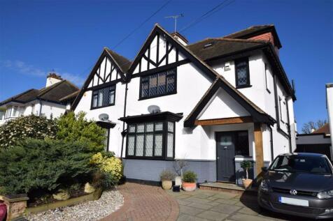 Marine Close, Leigh-on-sea, Essex. 4 bedroom semi-detached house